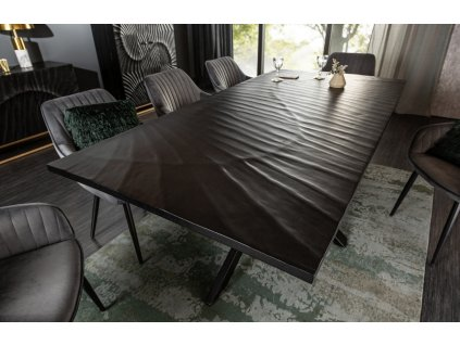 Černý masivní jídelní stůl Remus 200x100 cm