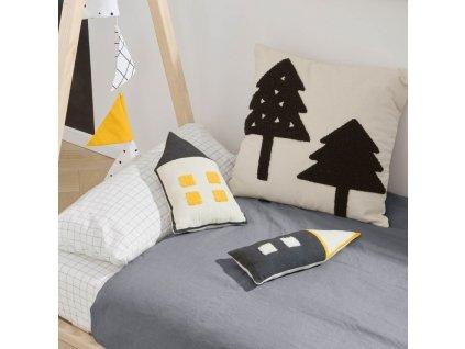 Barevný polštář LaForma Nisi ve tvaru domku 35 x 13 cm