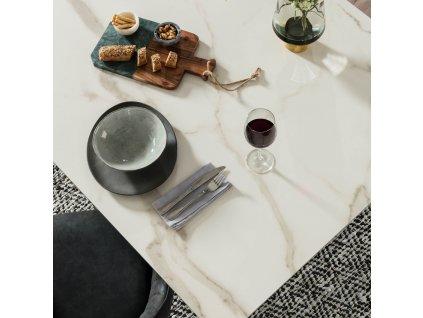 Bílý porcelánový jídelní stůl LaForma Arya 160 x 90 cm s kovovou podnoží