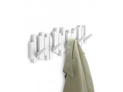 Moderní dřevěný nástěnný věšák Corso se sklopnými háčky, bílá barva