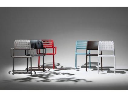 Bílá plastová zahradní židle Loft s područkami