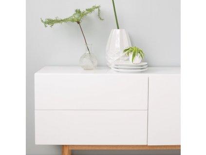 Čistá jednoduchá designová komoda Zuiver High on wood 120 cm bílá