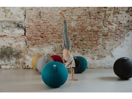Béžový sedací / gymnastický míč  VLUV LEIV Ø 65