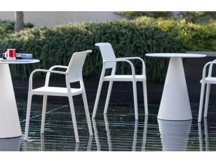 Modrá plastová jídelní židle Ara 310