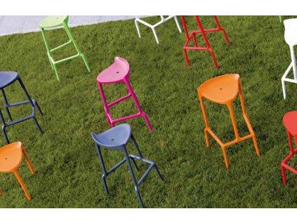 Červená plastová barová židle Happy 490 75 cm