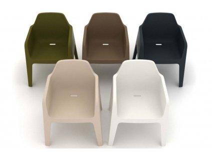 Hnědá plastová jídelní židle Plus 630