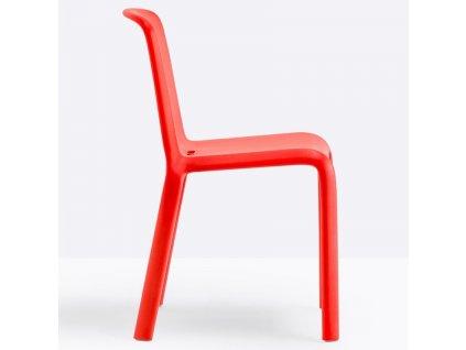 Červená plastová jídelní židle Snow 300