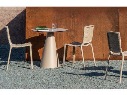 Šedé plastová jídelní židle Tatami 305