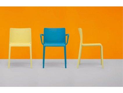 Červená plastová židle Volt 670