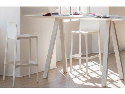 Černá plastová barová židle Volt 677 66 cm