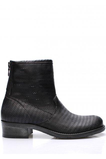 Černé italské kožené kotníkové boty s dírkováním V&C
