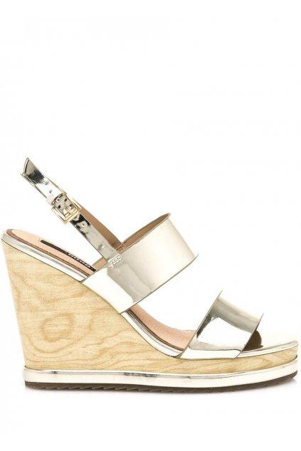 Zlaté letní sandály na dřevěném klínku MTNG