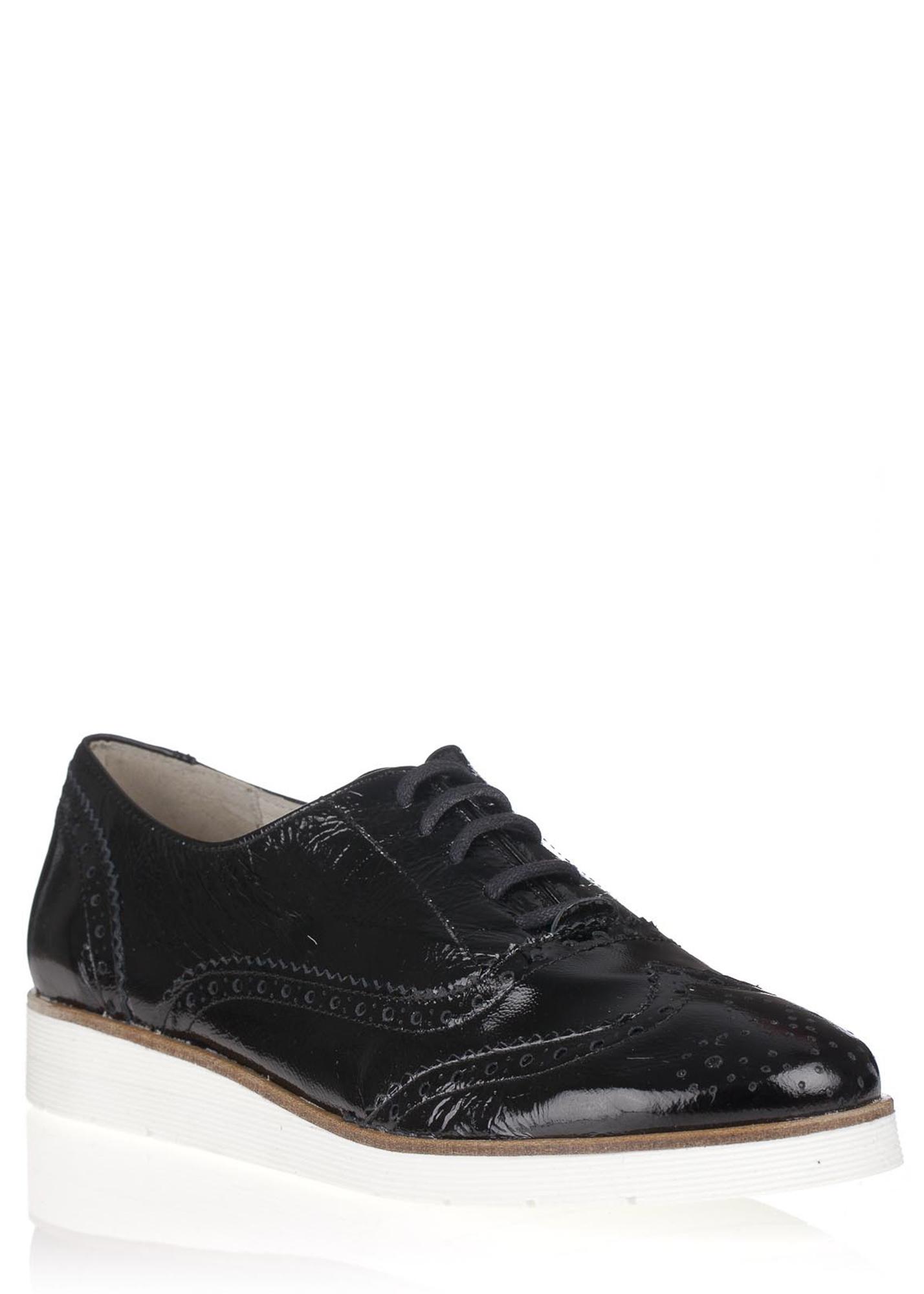256065cd25fe Maria Jaén Černé kožené boty na bílé podrážce María Jaén Velikost  39