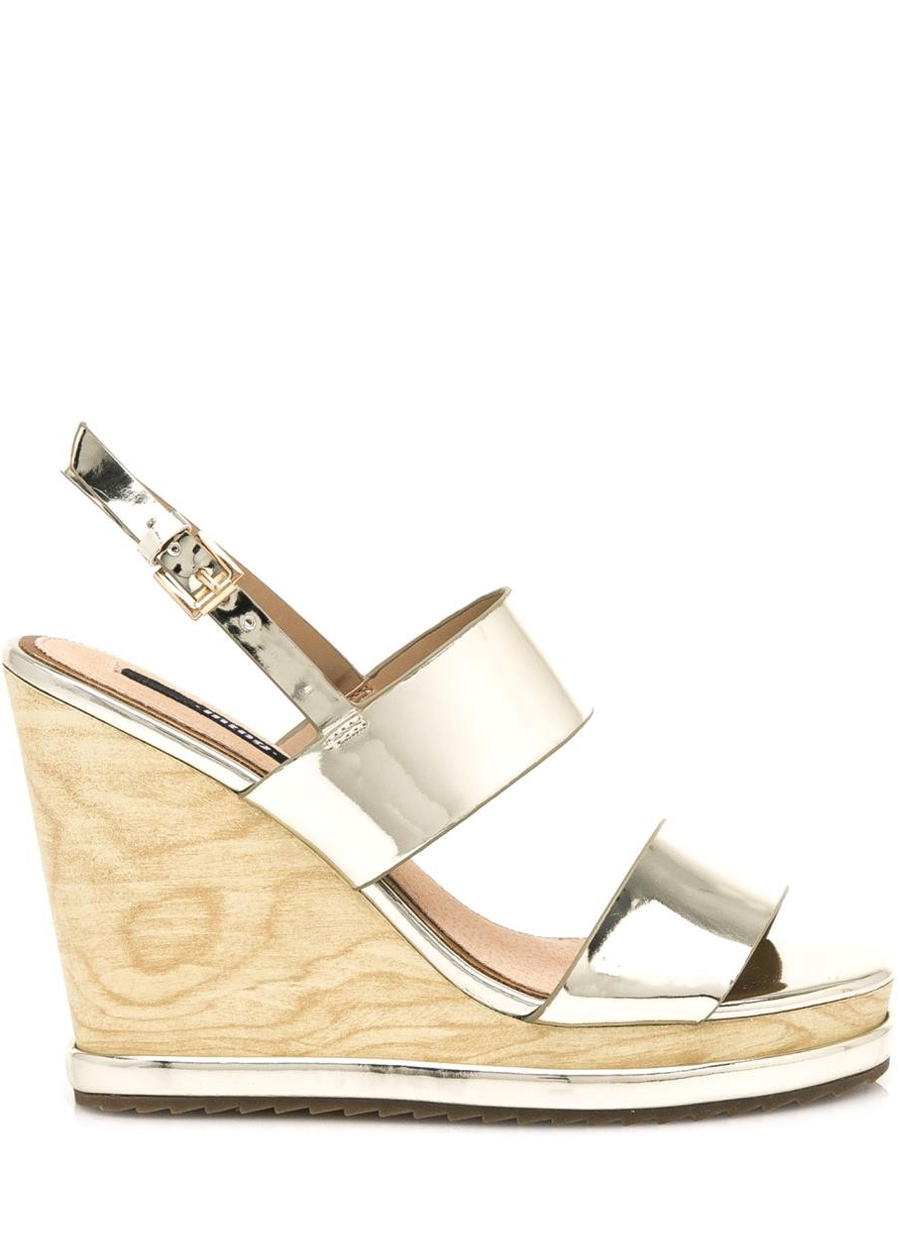 1bbff52a4062 Zlaté letní sandály na dřevěném klínku MTNG Velikost  40