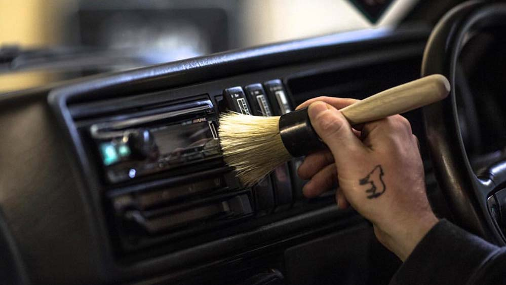 auto-finesse-interior-detail-brush-2
