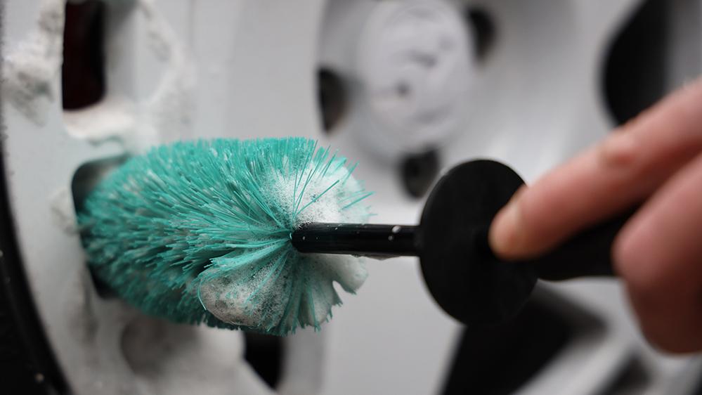 auto-finesse-mini-barrel-brush-2