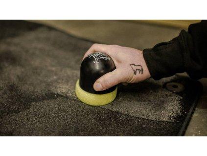 Auto Finesse Scrubi Spot Pad ruční pěnový aplikátor