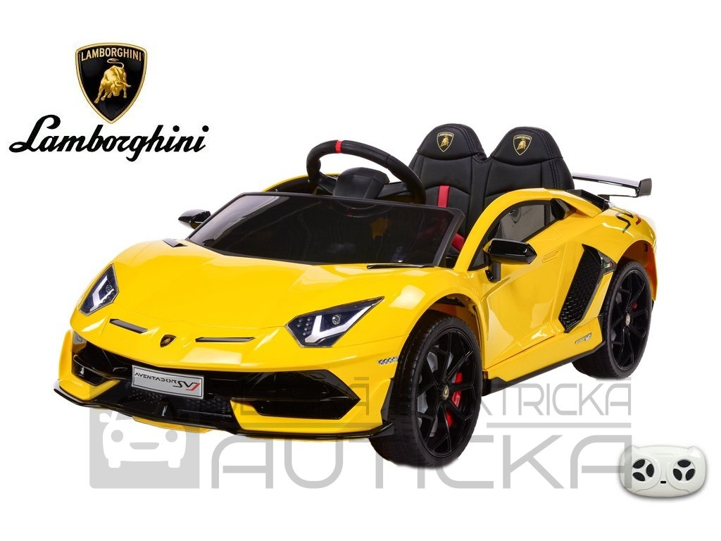 Lamborghini Aventador žlut 2
