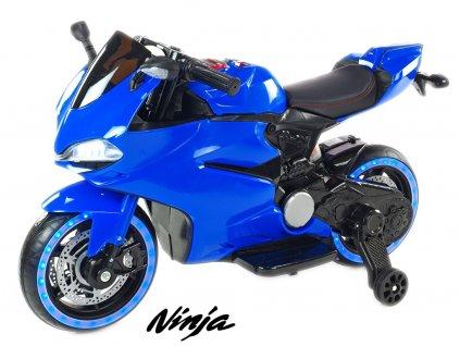 Závodní motorka 32