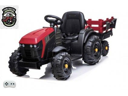 Farmářský traktor s vlekem čv 3