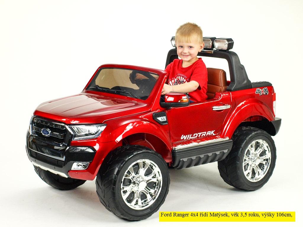 Toys elektrické autíčko Ford Ranger Wildtrak 4x4 LUX s 2,4G, FM, USB, ružová barva