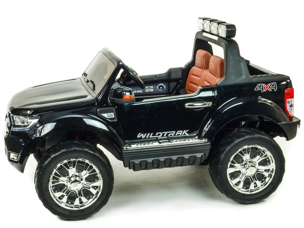 Toys elektrické autíčko Ford Ranger Wildtrak 4x4 LUX s 2,4G, FM, USB, černá metalíza