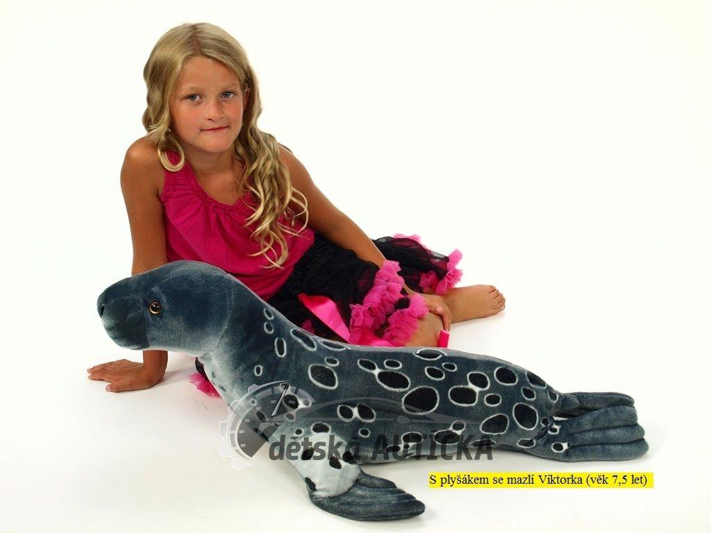 Plyšový tuleň šedý, délky 90 cm,
