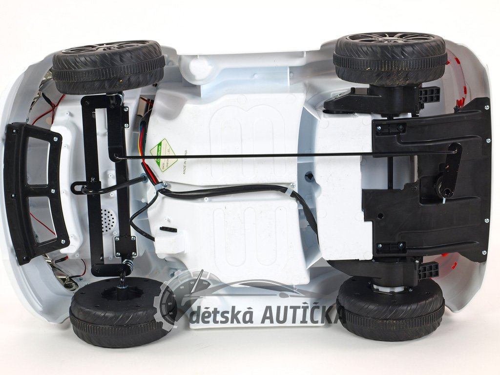 Elektrické autíčko Bavoráček xmen s 2.4G DO, plynulým rozjezdem, otvíracími dveřmi, klíčky, playerem, USB, TF, Mp3, 12V, černý