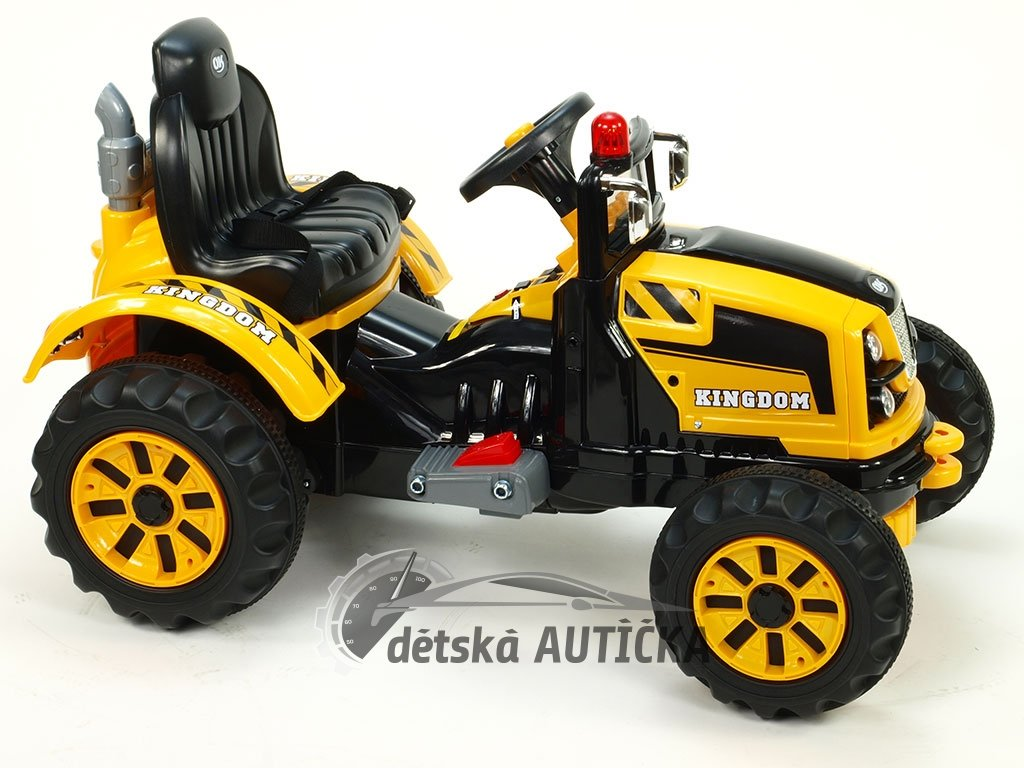 Elektrický traktor Kingdom s mohutnými koly a konstrukcí, žlutý