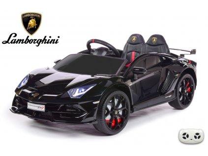 Lamborghini Aventador s 2.4G, lakované černou metalízou