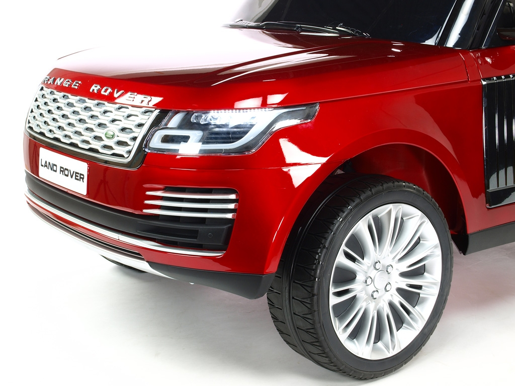 Land Rover Range Rover HSE s 2.4G, náhonem 4x4, lakovaný vínovou metalízou