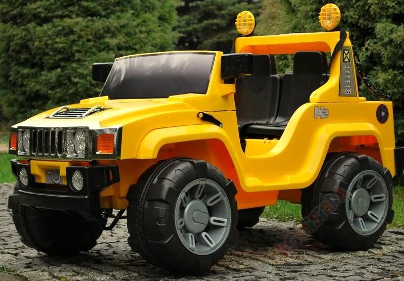 Elektrický džíp Humvy dvoumístný s dálkovým ovládáním, nákladovým prostorem, FM rádiem, MP3, 2x posuvná sedačka 25 cm, 12V, žlu