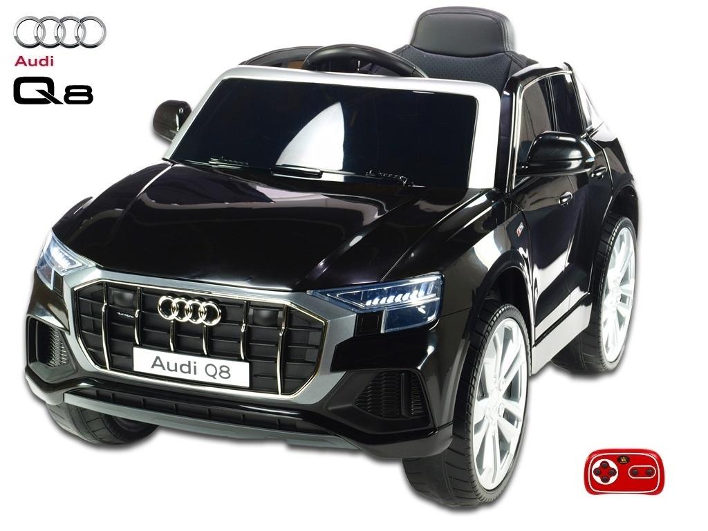 Audi Q8 s 2,4G, černé