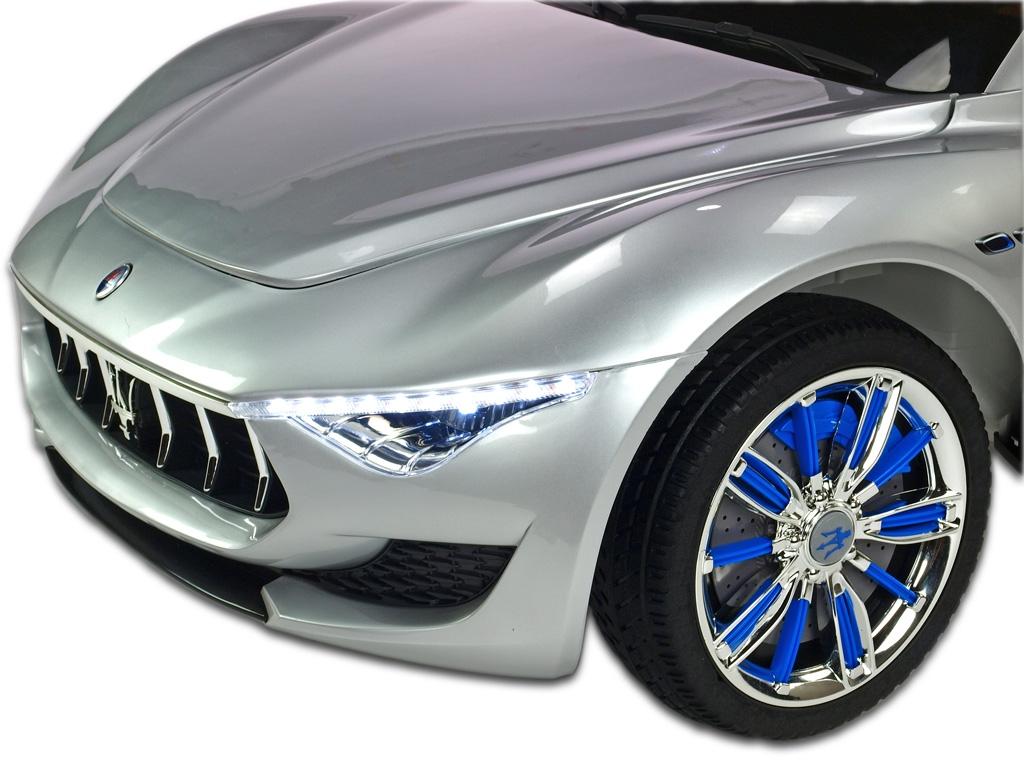 Maserati Alfieri s 2,4G, stříbrná metalíza