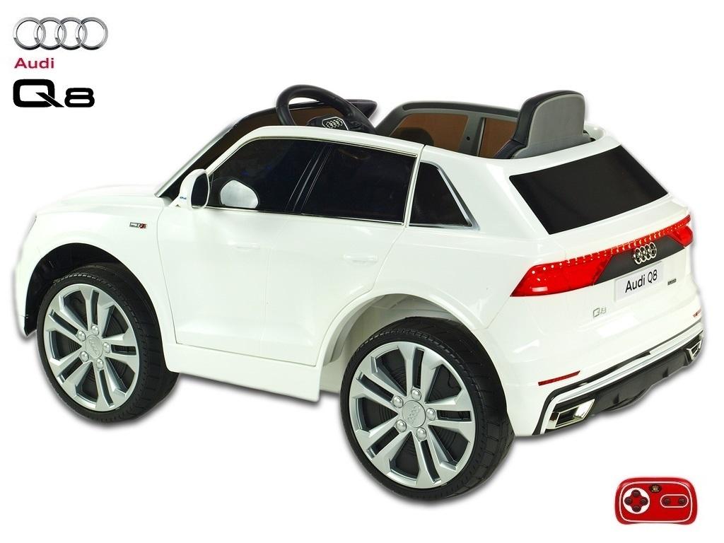 Audi Q8 s 2,4G, bílé