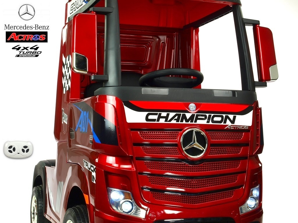 Mercedes Actros tahač 4x4 červené lakované
