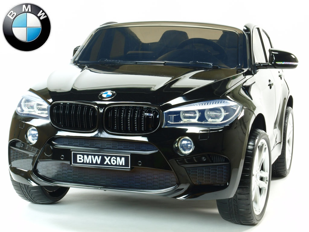 Elektrické SUV BMW X6M dvoumístné s 2,4G DO, el. brzdou, EVA koly, otvíracími dveřmi, USB, Mp3, voltmetrem, 55cm čalouněnou sedačkou, lak černé