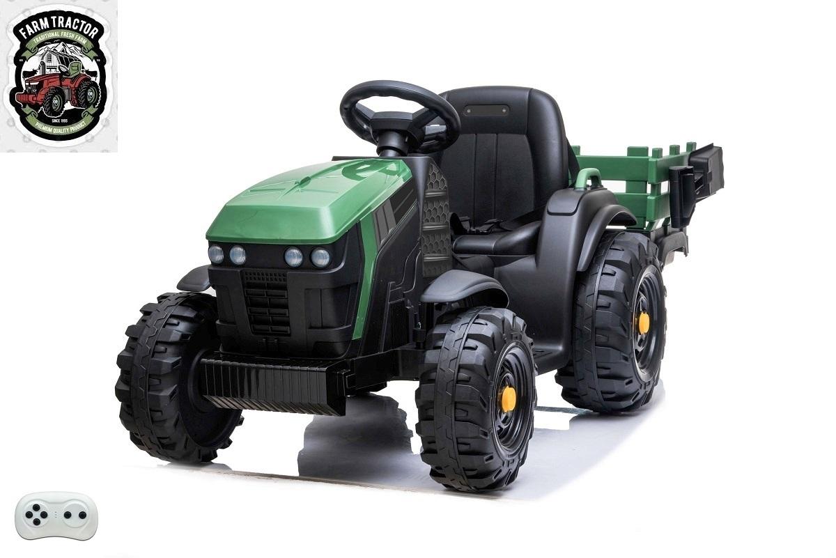 Farmářský traktor s vlekem a lopatou, zelený