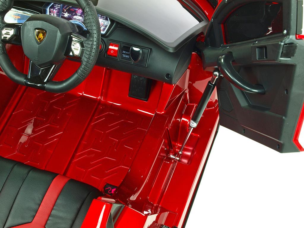 Lamborghini Aventador s 2.4G, lakované vínovou metalízou