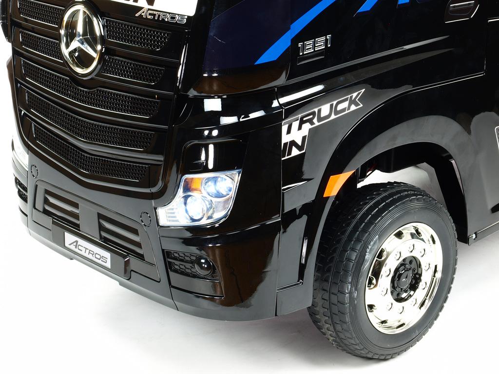Mercedes Actros tahač 4x4 s 2,4G, černá metalíza