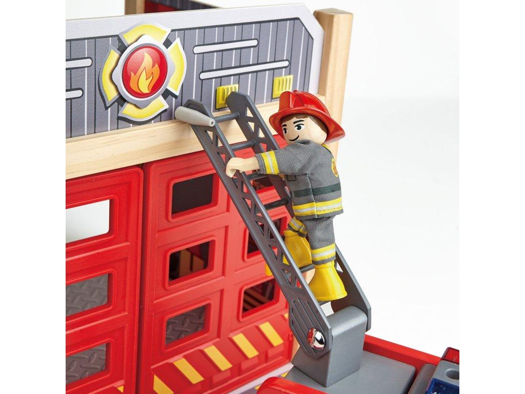 251 hape dreveny hasicsky vuz