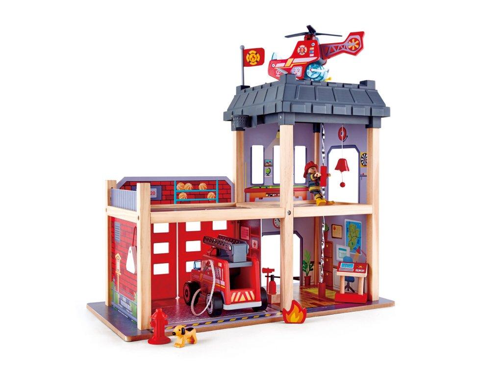 Hape Drevená hasičská stanica