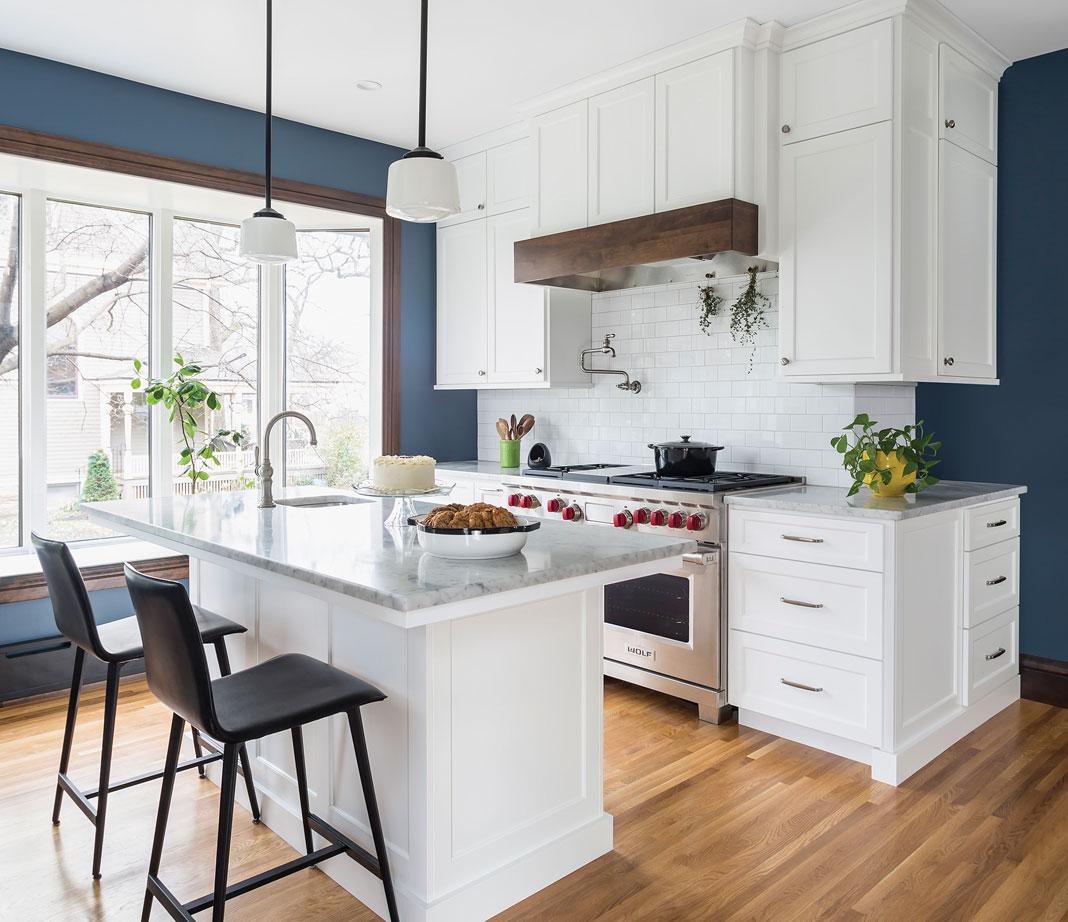 img_2018-11_NKBA_Design-Awards_Medium-Kitchen_First-Place_X