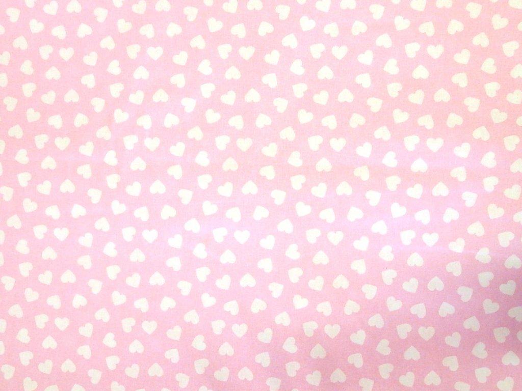 bílé srdce na růžové