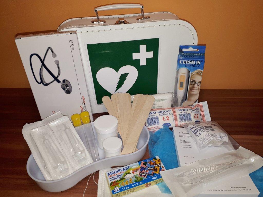 Doktorský kufřík vybavený s funkčním stetoskopem (zelený)