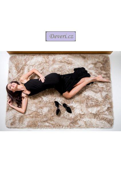 Plyšový  kusový koberec cappucino