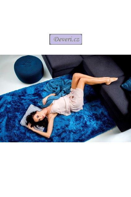 Plyšový kusový koberec měsíční svit modrý