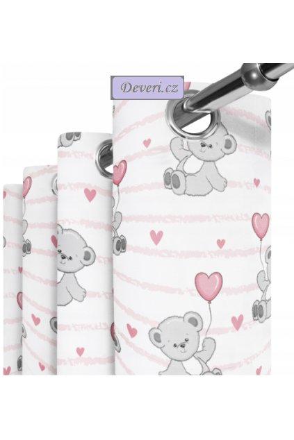 medvídek s růžovým srdíčkem