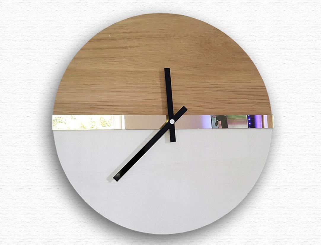 Nástěnné stylové hodiny dubové 32cm b6036c1e4d