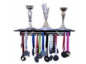 Kovová polička na poháry s věšákem na medaile 40x15.5x10cm černá (1)
